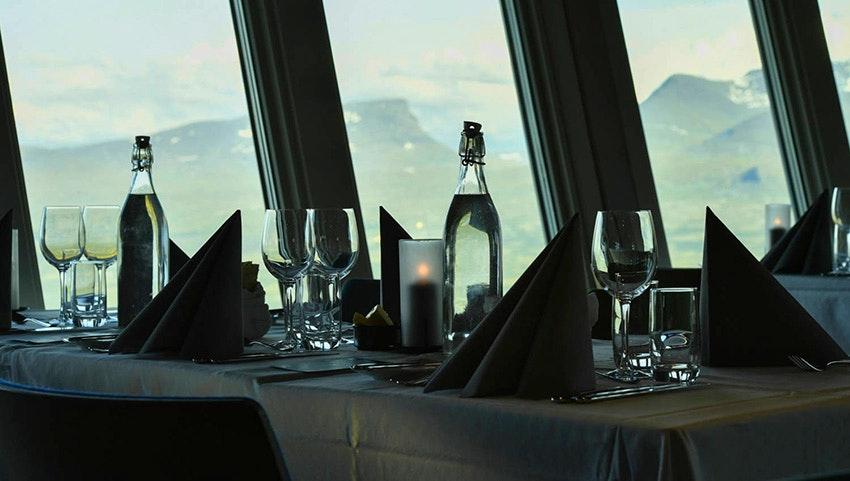 Dukat bord på Aurora Sky Station