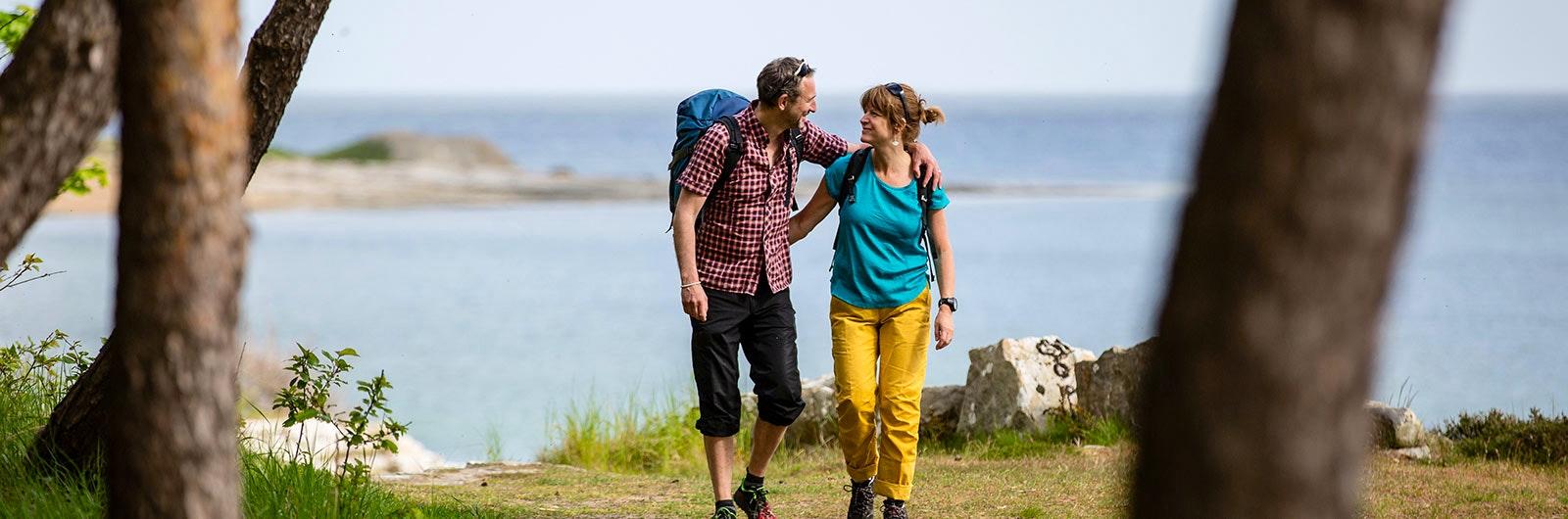 Par vandrar på Österlen signaturled