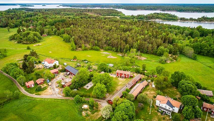 STF Arholma gård ur fågelperspektiv