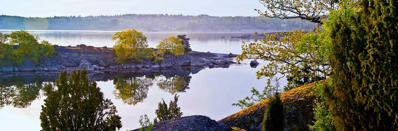 utsikt över sjö under vandring på blekingeleden